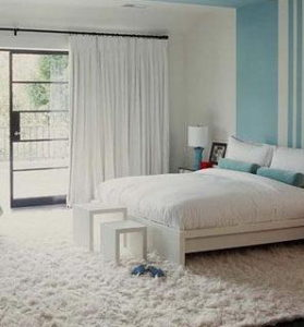 ковёр в спальне на полу