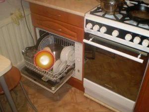 машина посудомойка